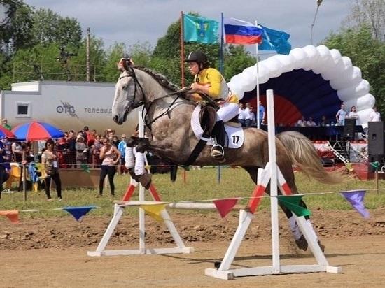 В регионе прошли конноспортивные соревнования «Золотая подкова»