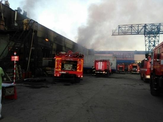 Крупный пожар на предприятии в Коминтерне тушили больше 60 человек