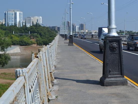 Пешеходы боятся передвигаться по Бельскому мосту в Уфе