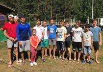 В Мордовии дети полтора километра несли из леса парализованного мужчину