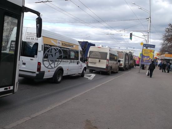 В Уфе частник выбросил детей ночью из автобуса