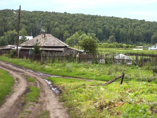 Жители кузбасской деревни два месяца жили без воды, потому что у ЖЭКа одна машина и мало времени