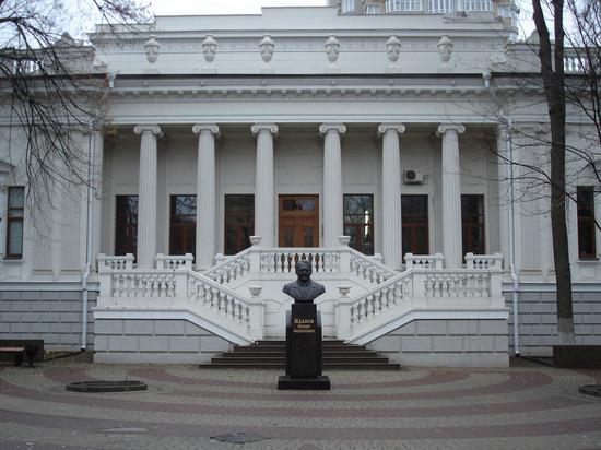 В Ростове забросили ремонт особняка Парамонова - зональной библиотеки ЮФУ