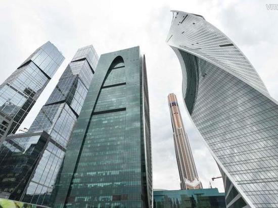 Мужчина сорвался с 30-го этажа башни «Москва-Сити»