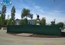 В Оренбурге демонтируют памятник В.И.Ленину на Советской