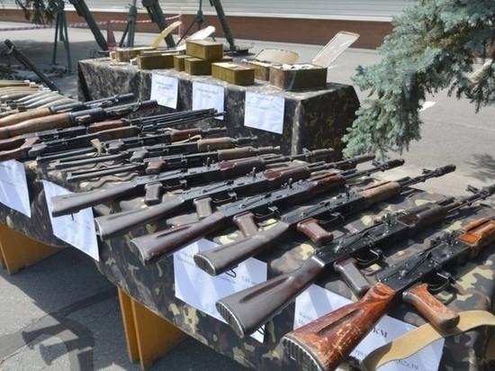 СБУ показала изъятое у«группы Савченко»— Целый арсенал