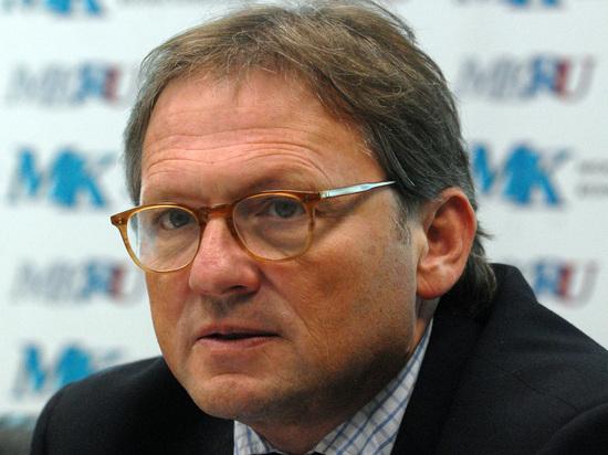 Титов разъяснил предложение заменить пенсионный возраст стажем