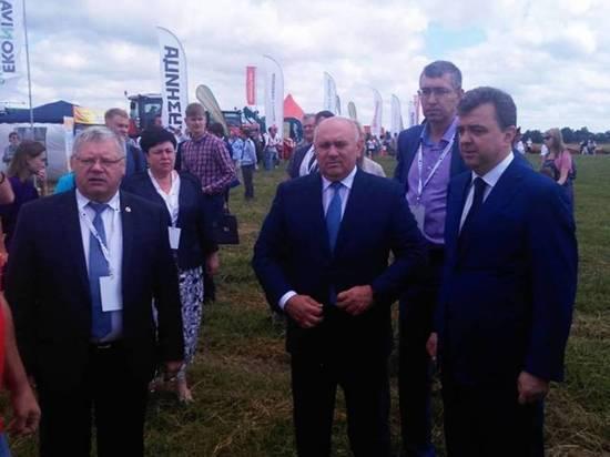 День льняного поля отметил Михаил Глазков