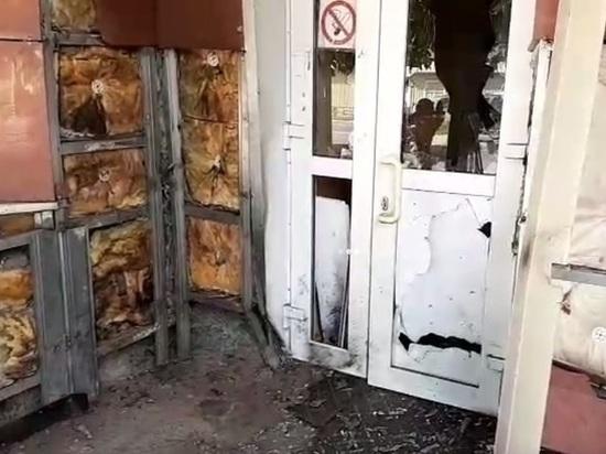 Неизвестные подорвали дверь Пенсионного фонда в Калуге