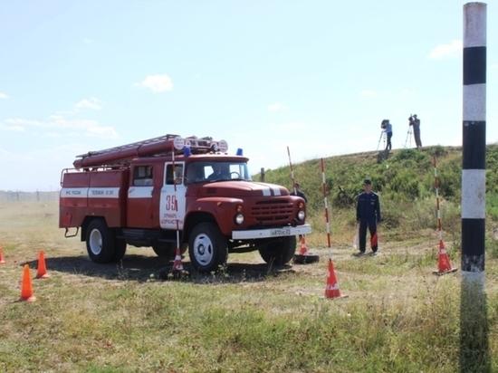 В Чувашии водители пожарных машин соревновались в скорости