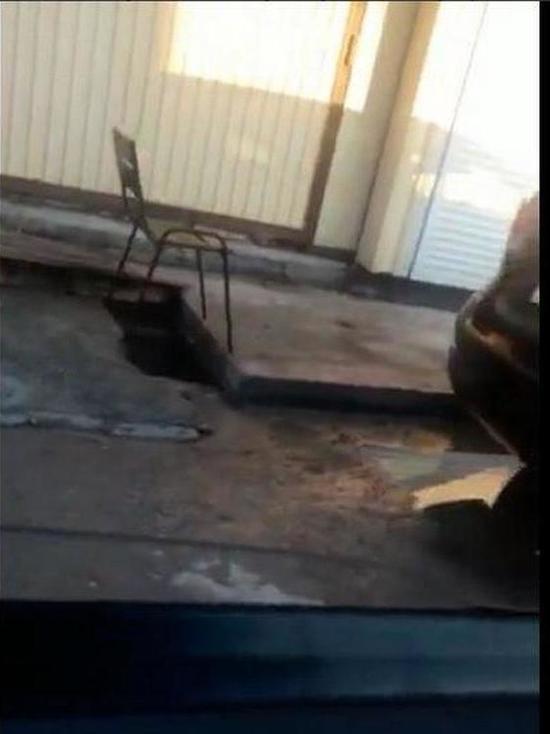 Ливневку в Сочи, где погиб ребенок, огородили стулом