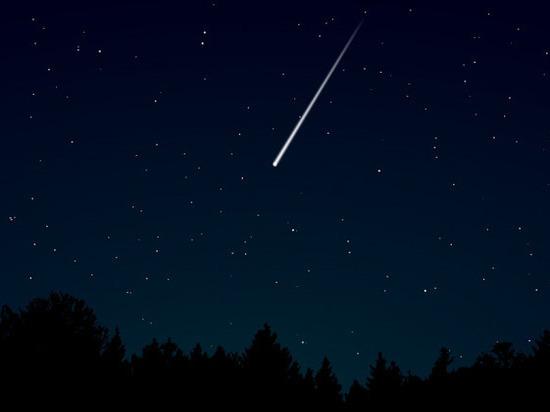 Видео метеорита над Сургутом взорвало Сеть: инопланетяне или космическая ракета