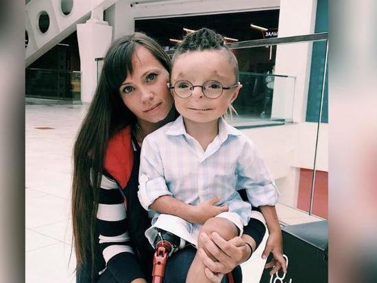 Сильные духом калужане: о семье, взявшей мальчика-инвалида, говорит вся Россия