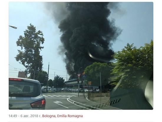 Возле аэропорта Болоньи произошел мощный взрыв