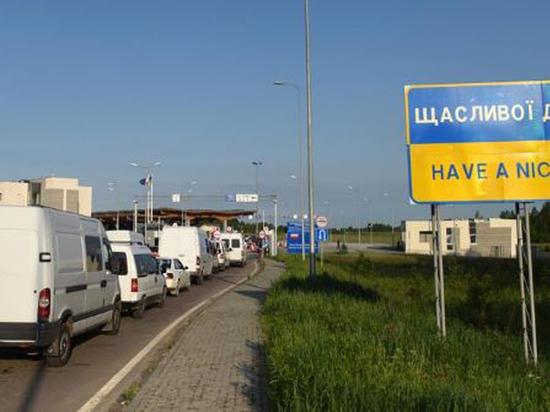 Украинцев перестали пропускать через границу: энергетический коллапс застал врасплох