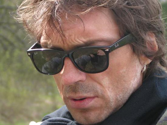 «Он учил Цоя»: умер художник и бас-гитарист «Кино» Андрей Крисанов
