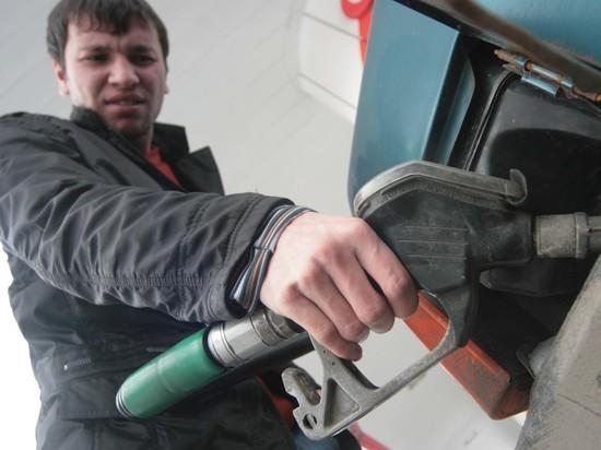 Власти рассказали, как будут наказывать АЗС за недолив бензина