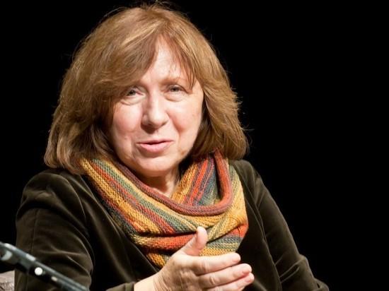 Нобелевский лауреат Алексиевич отказалась выступать в Одессе из-за угроз