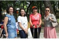 В Серпухове Ирина Слуцкая провела урок по скандинавской ходьбе