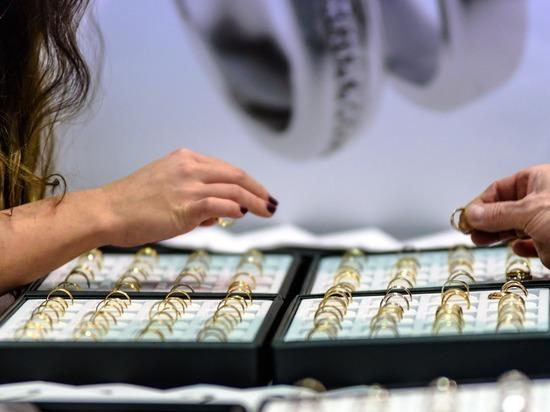 Прокопчанин вынес из ювелирного салона украшения на 130 тысяч рублей
