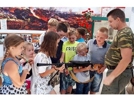 Дети из деревни Лужки посетили мемориал «Слава»