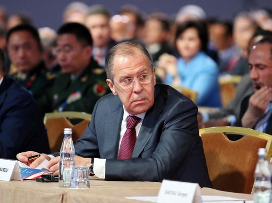Лавров объявил Помпео окатегорическом непринятии новых санкций вотношении РФ