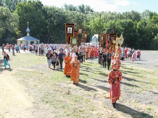 В Тамбовском районе прошел крестный ход в честь целителя Пантелеимона