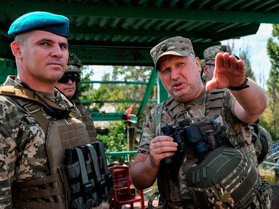 Турчинов заявил о попытках России начать блокаду побережья Украины