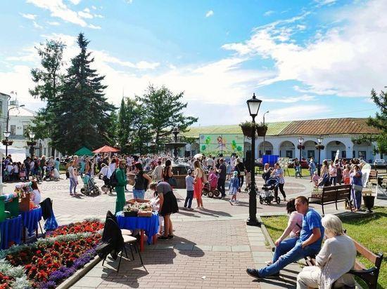 Десятки творческих коллективов выступят в сквере у фонтана в День рождения Костромы