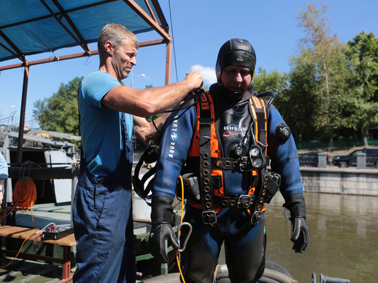 Удивительный подводный мир Москвы: что находят водолазы на дне столицы