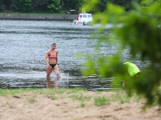 Роспотребнадзор снова разрешил купаться на двух пляжах Москвы