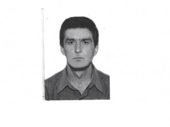 Уже 3 месяца в Волгограде не могут найти мужчину со шрамом на лице