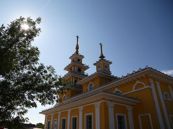 В Астраханской области отметили 200-летие самого старого буддистского хурула в России