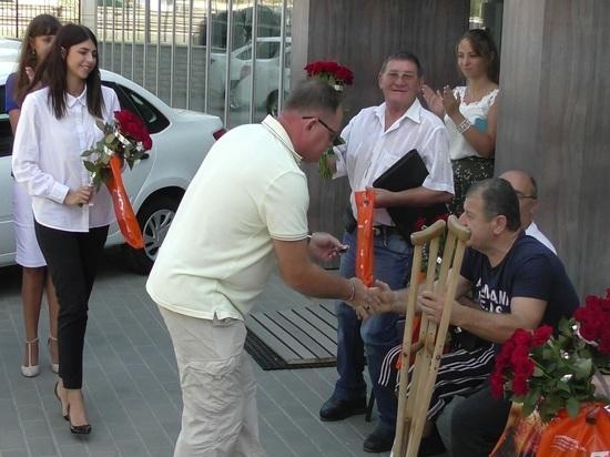 Шестеро крымчан, пострадавших на производстве, получили машины от фонда