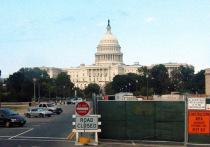 Представляющий в Палате представителей Конгресса США Республиканскую партию Том Гарретт заявил о том, что на закрытом брифинге с шефом ФБР, прошедшем около двух месяцев назад, обсуждалось российское вмешательство в события прошлого года в Шарлоттсвилле