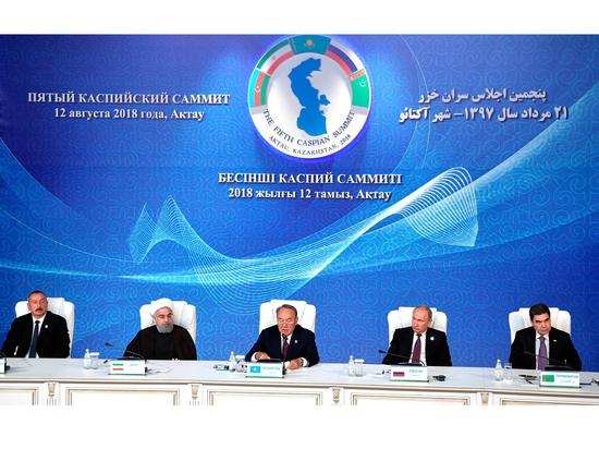 """""""Пятерка"""" поделила море-озеро: Путин отметил день Каспия историческим соглашением"""