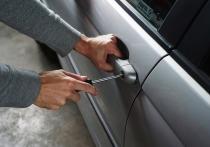 В Серпухове украли автомобиль с территории неохраняемой стоянки