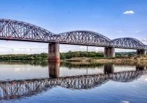 Металлический мост через Оку реконструируют в течение трех лет