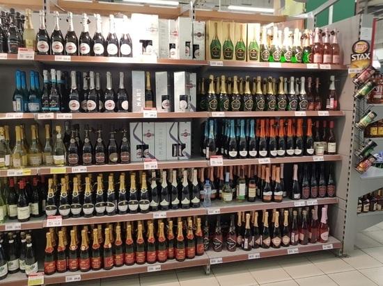 Сотрудники супермаркета, где ребенка завалило бутылками, отрицают случившееся