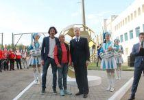 В Барнауле открыли памятник футбольному наставнику Геннадию Смертину
