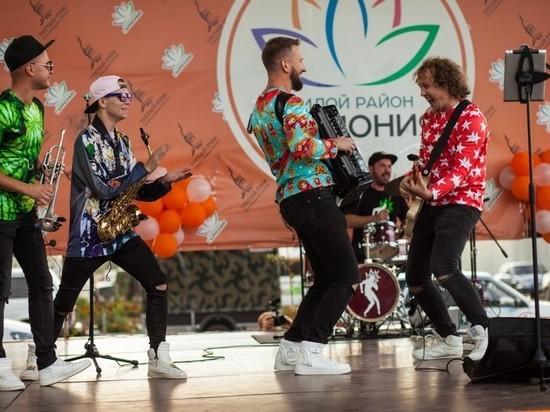 Жители ставропольской «Гармонии» широко отметили День строителя