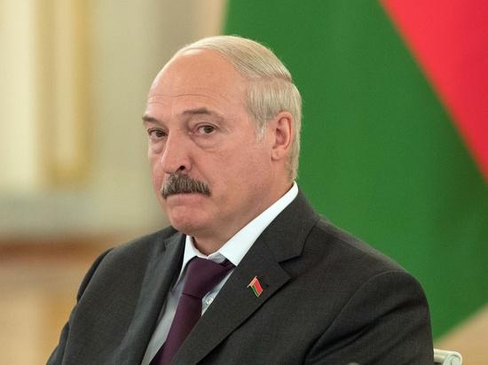 Лукашенко потребовал внести предложения по замене руководства правительства