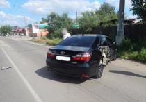 В Чите при аварии на улице Комсомольская: один из водителей получил травмы из-за нарушения правил вождения