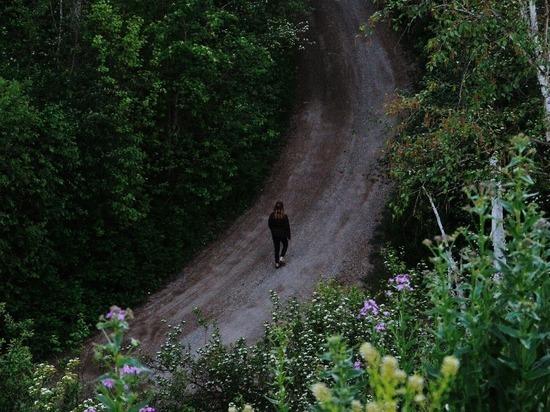 В Ленобласти школьница отбилась от насильника на джипе
