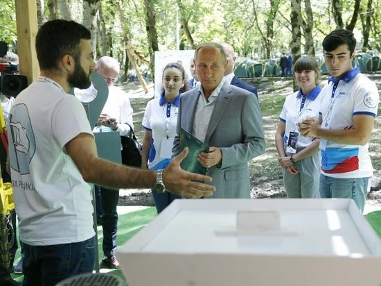 Путину на Кавказе рассказали о трезвой жизни и вручили подарок