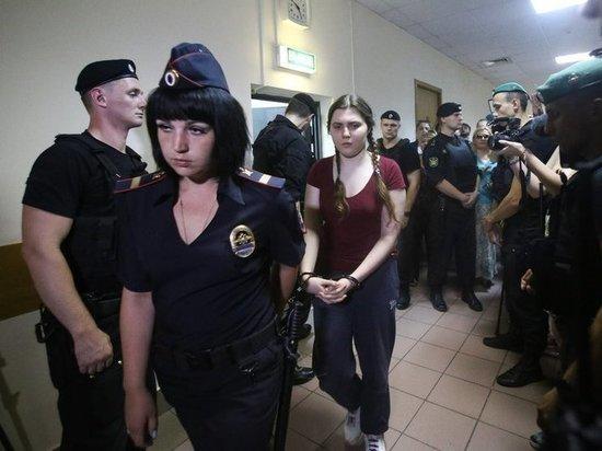 Следствие попросило выпустить Павликову и Дубовик из СИЗО
