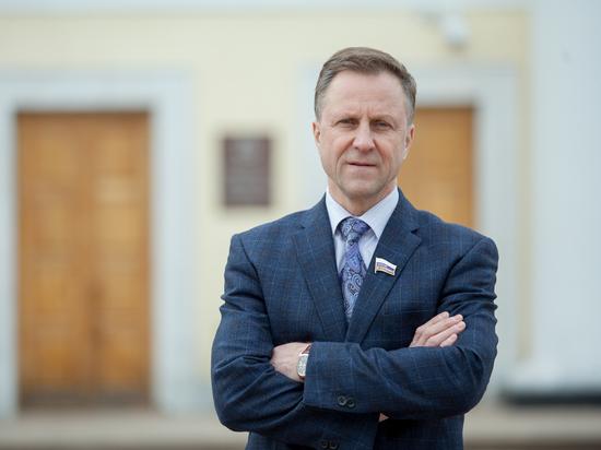 Нижегородский депутат Андрей Тарасов свою историю комсомола