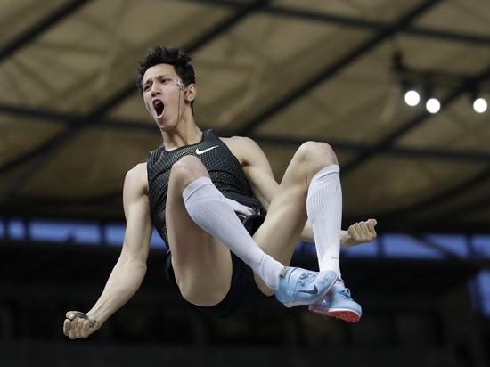 Лишенные гражданства: российские легкоатлеты вышли на ЧЕ без флага страны