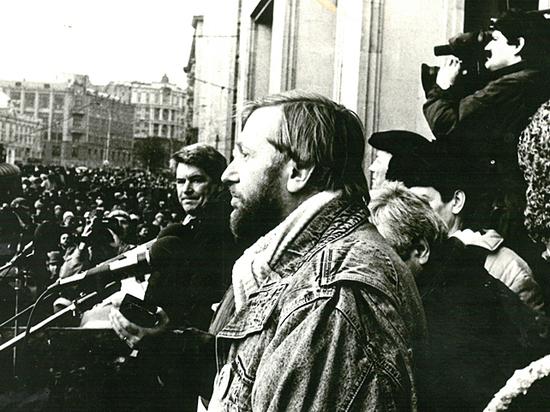Брат Чубайса о политике времен Ельцина: уничтожили мечту в демократию