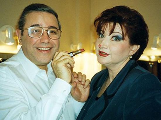 Степаненко отбирает наручные часы у Петросяна